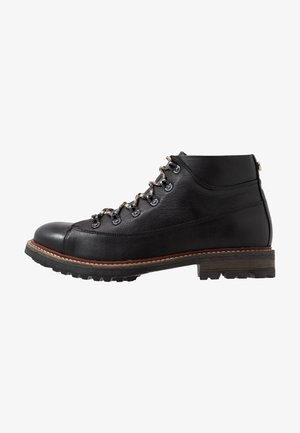 MOUNTY - Veterboots - black