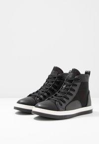Steve Madden - DISRUPT  - Sneakers hoog - black - 2