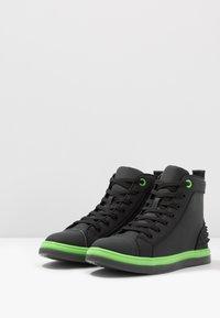 Steve Madden - CHAOS - Sneakersy wysokie - emerald - 2
