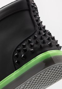 Steve Madden - CHAOS - Sneakersy wysokie - emerald - 5