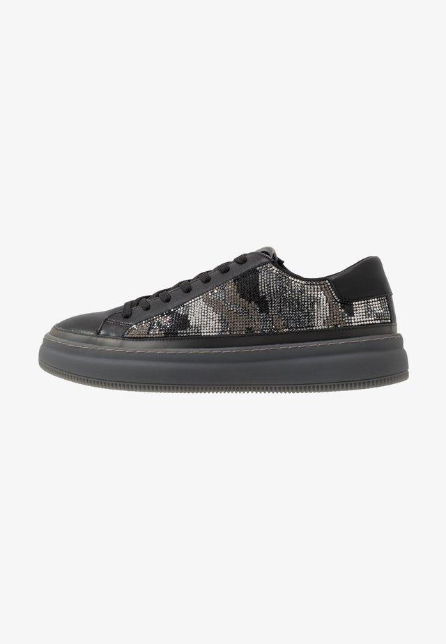 RIPPLE - Sneakersy niskie - black