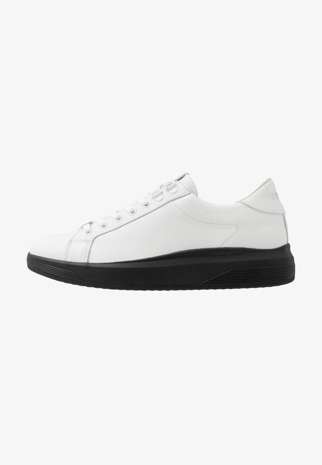 ALEX - Sneaker low - white/black