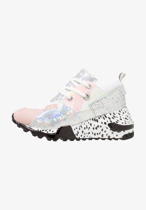Sneakers - blush/multicolor