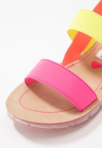 Steve Madden - Sandalias - neon pink - 2