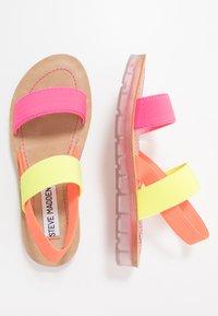 Steve Madden - Sandalias - neon pink - 0
