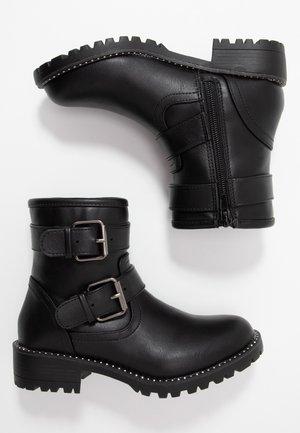 JGANG - Støvletter - black