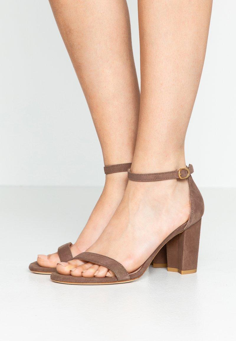 Stuart Weitzman - Sandals - taupe