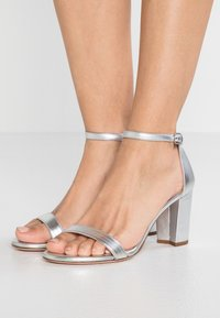 Stuart Weitzman - Sandals - metallic - 0