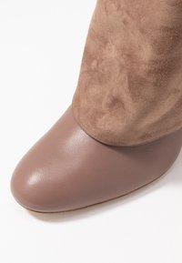 Stuart Weitzman - LUCINDA - High heeled boots - taupe - 2