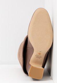 Stuart Weitzman - LUCINDA - High heeled boots - taupe - 6