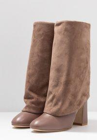 Stuart Weitzman - LUCINDA - High heeled boots - taupe - 4