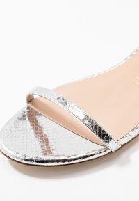 Stuart Weitzman - MERINDA FLAT - Sandals - silver - 2