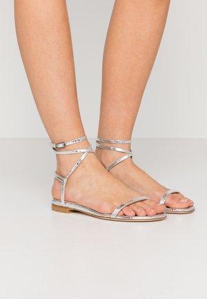 MERINDA FLAT - Sandály - silver