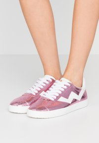 Stuart Weitzman - DARYL - Trainers - india pink - 0