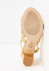 Stuart Weitzman - VICKY  - Sandals - gold - 6