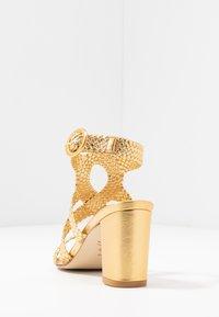Stuart Weitzman - VICKY  - Sandals - gold - 5