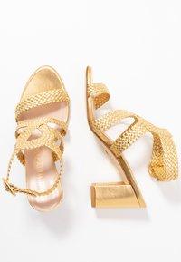 Stuart Weitzman - VICKY  - Sandals - gold - 3