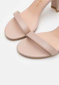 Stuart Weitzman - Sandals - dolce - 5