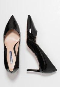 Stuart Weitzman - ANNY - Classic heels - black - 3