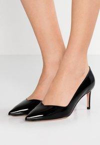 Stuart Weitzman - ANNY - Classic heels - black - 0