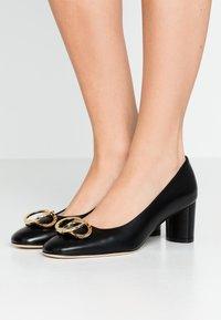 Stuart Weitzman - ANICIA  - Classic heels - black - 0