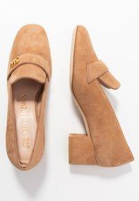 Stuart Weitzman - RIELA  - Classic heels - tan - 3