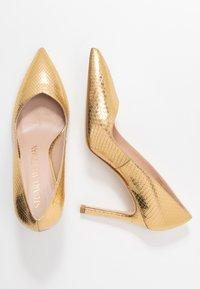 Stuart Weitzman - ANNY - Zapatos altos - gold - 3