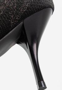 Stuart Weitzman - VIOLETTA LOGO - High heeled boots - black - 2