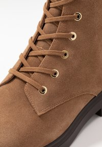 Stuart Weitzman - MCKENZEE - Lace-up ankle boots - coffee - 2
