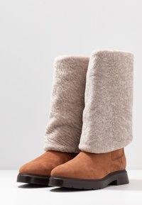 Stuart Weitzman - LUIZA CHILL - Stivali da neve  - cappuccino/natural - 4