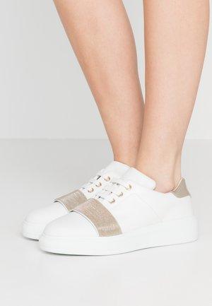 CHAIN  - Sneakers - white/platinum