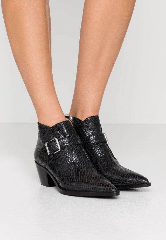 WESTERN ROAD - Korte laarzen - black
