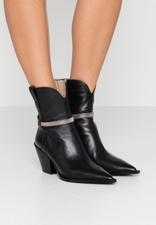 CHAIN STREET - Kovbojské/motorkářské boty - black