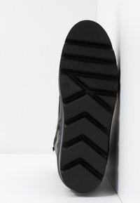 Steffen Schraut - HILL STREET - Kotníkové boty na platformě - black - 6