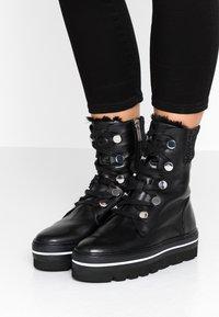 Steffen Schraut - HILL STREET - Kotníkové boty na platformě - black - 0