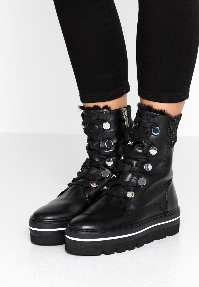 Steffen Schraut - HILL STREET - Kotníkové boty na platformě - black