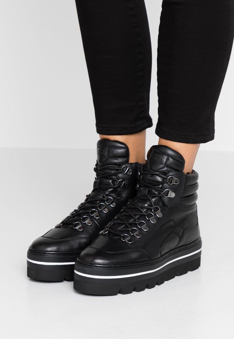 Steffen Schraut - HILL STREET - Ankle Boot - black