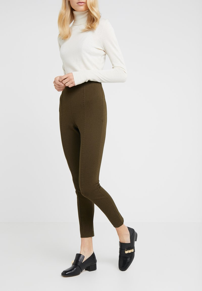 Steffen Schraut - CAROLINE ESSENTIAL PANTS - Leggings - urban green