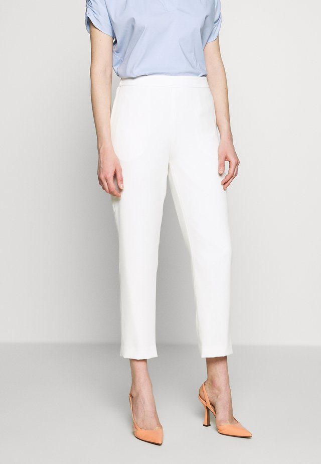 CAROL DARLING PANTS - Bukse - pure