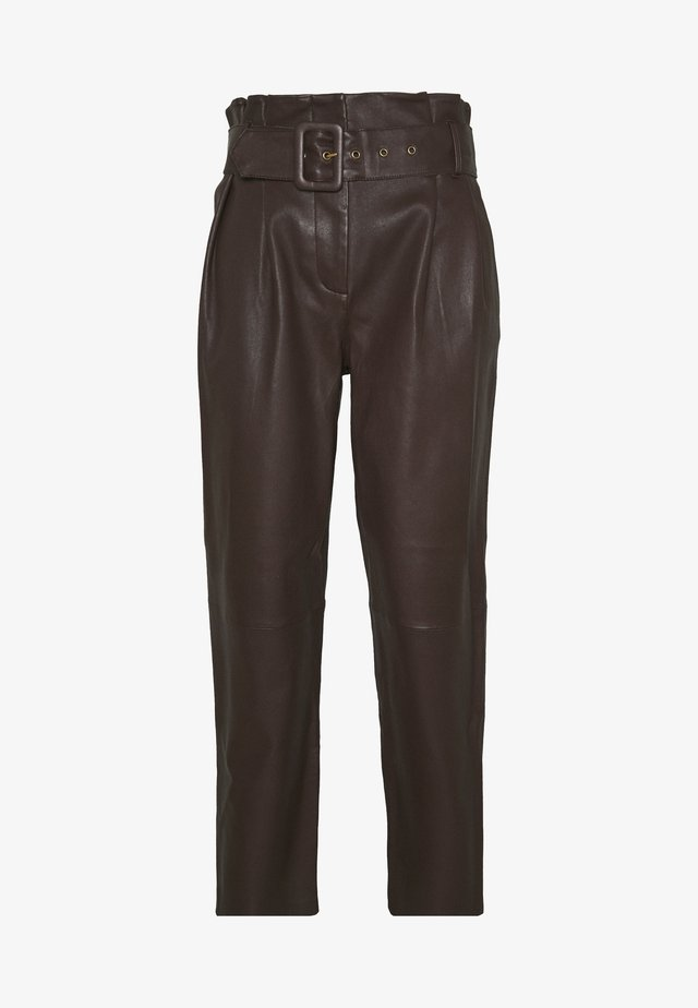 MANHATTAN LUXURY  PANTS - Leather trousers - coffee