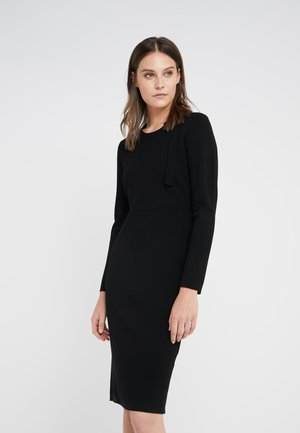 MEGHAN LOVELY BOW DRESS - Pletené šaty - black