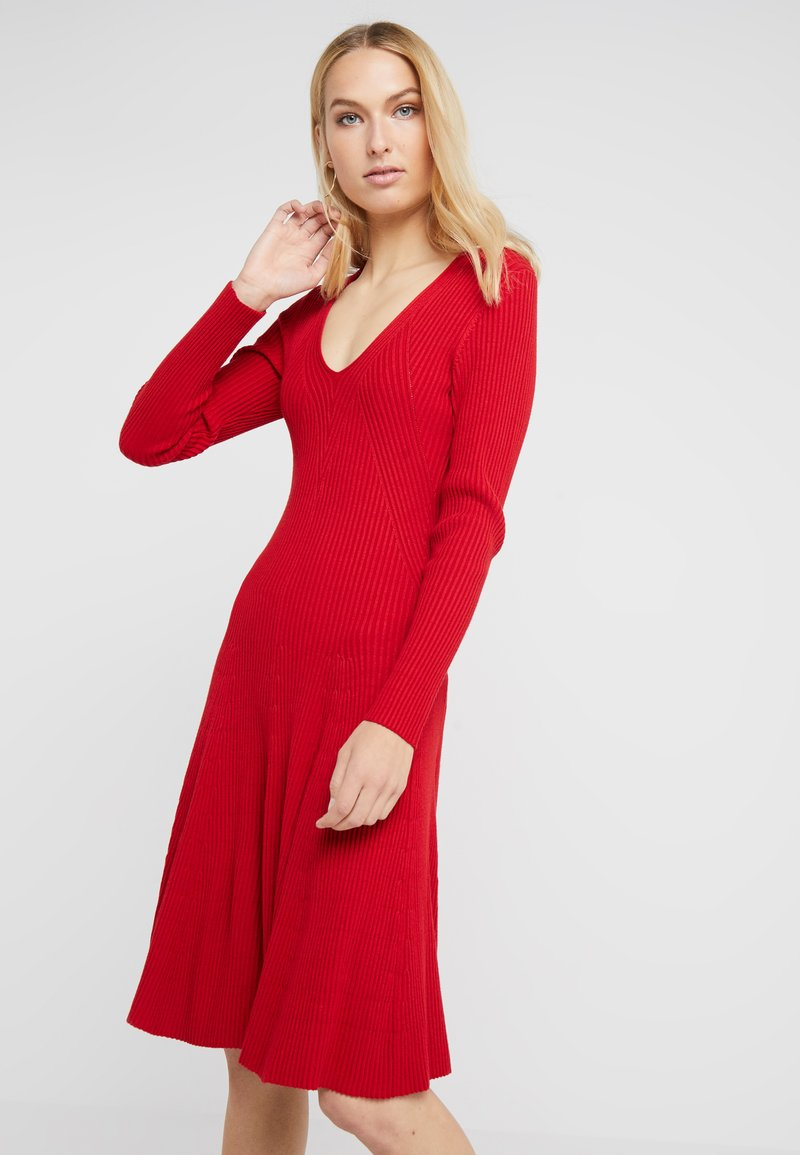 Steffen Schraut - DRESS SPECIAL - Jumper dress - rebel red