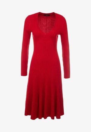 DRESS SPECIAL - Gebreide jurk - rebel red