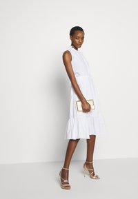 Steffen Schraut - EXCLUSIVE SLEEVELESS BLOUSE DRESS - Kjole - white
