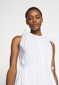 Steffen Schraut - EXCLUSIVE SLEEVELESS BLOUSE DRESS - Kjole - white - 3