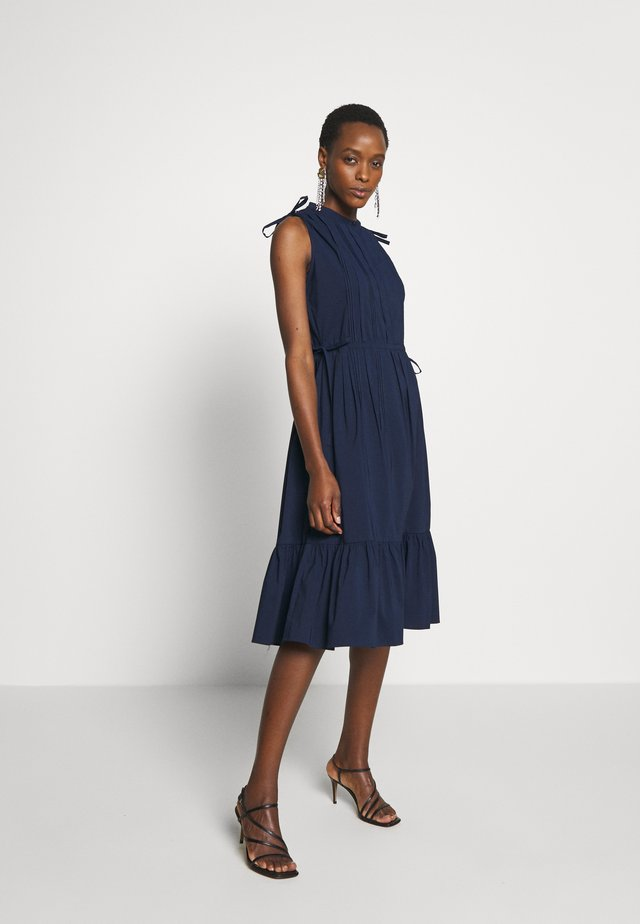 EXCLUSIVE SLEEVELESS BLOUSE DRESS - Korte jurk - navy