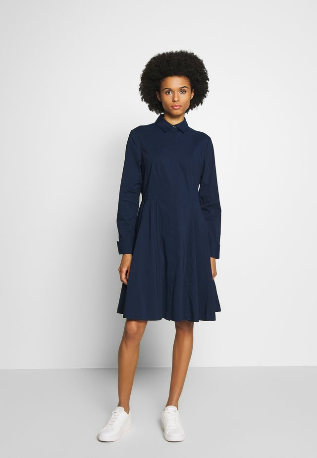 EXCLUSIVE BLOUSE DRESS - Shirt dress - navy