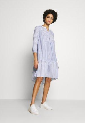 BABE FANCY PATCH DRESS - Vestito estivo - light-blue denim