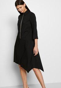 Steffen Schraut - BELLE LOVELY DRESS - Košilové šaty - black - 4