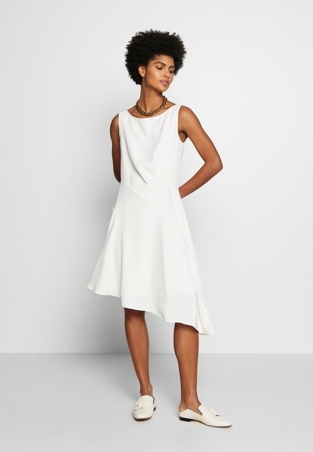 CAROL LONG SUMMER DRESS - Cocktailjurk - white